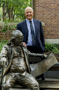 Andy Porter with Ben Franklin statue